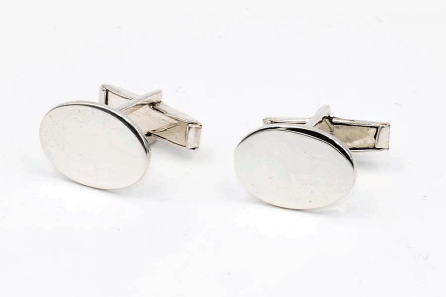 Plain blatant cufflinks (oval)