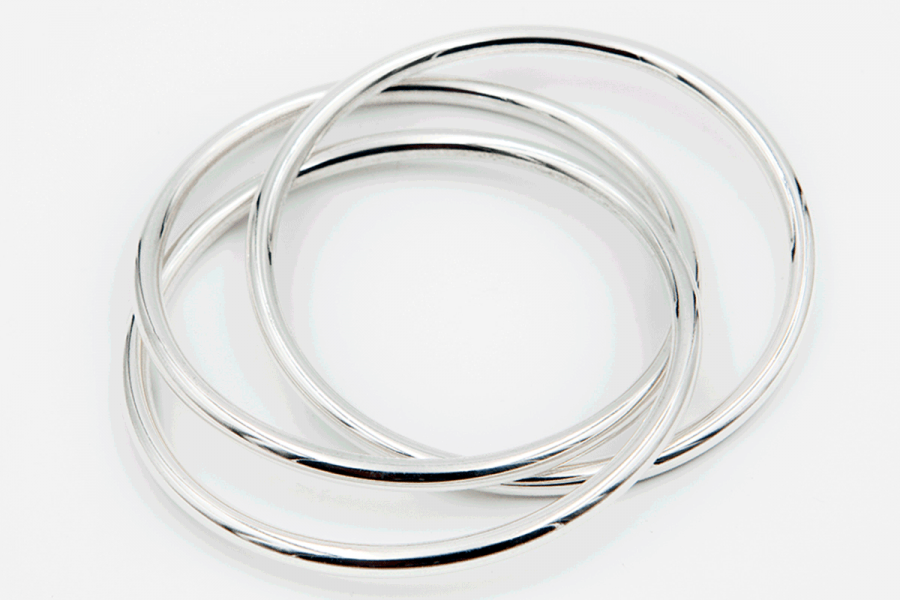 "3 thin intertwined plain ""donuts"" bangle"