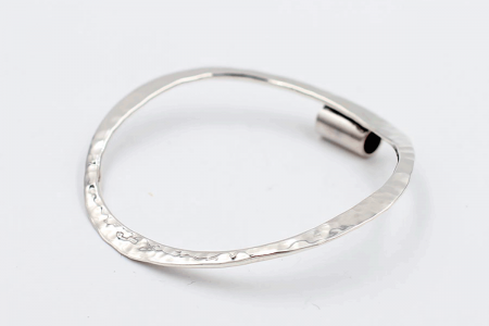 Hammered curved hoop pendant