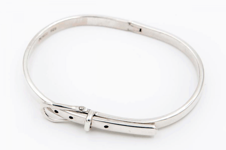 Thin belt bangle