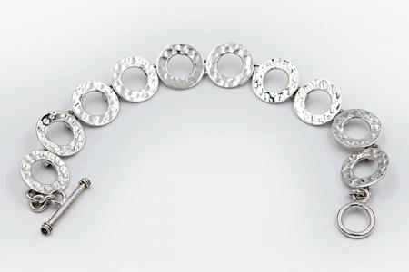 Hammered hoops bracelet