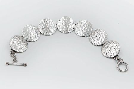 Hammered circles bracelet