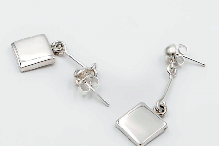 Squared plain long earrings