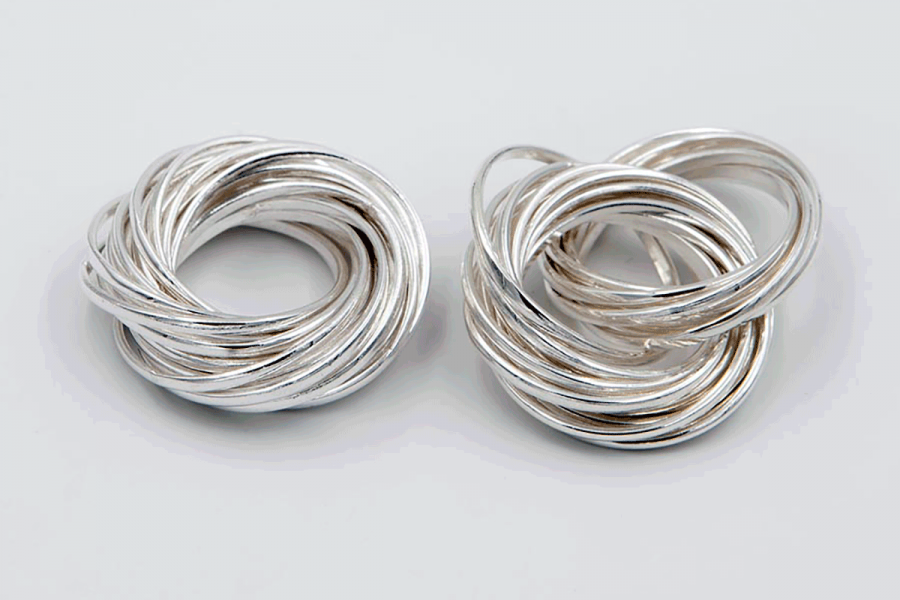 Ring or pendant made of 21 intertwined hoops