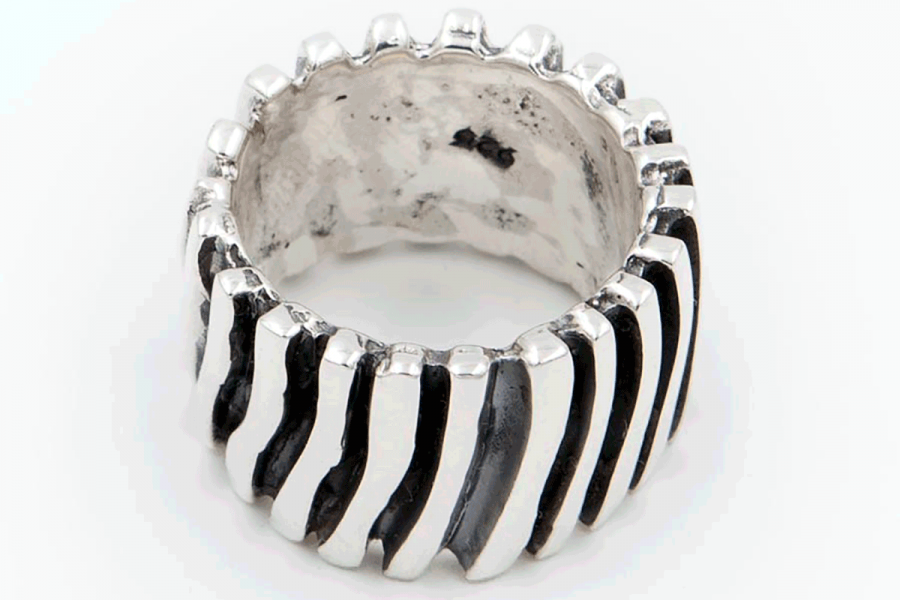 Distressed ladder ring